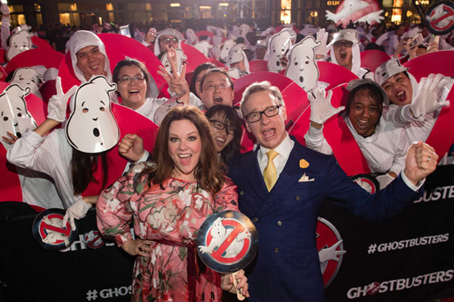 "Hollywood-Star Melissa McCarthy und Regisseur Paul Reig vor 263 ""Ghostbusters""-Fans"