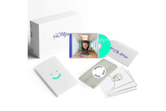 """Das neue Album """"Hobby"""" von Matthias Schweighöfer ist ab sofort erhältlich - auch als limitierte Fanbox"""