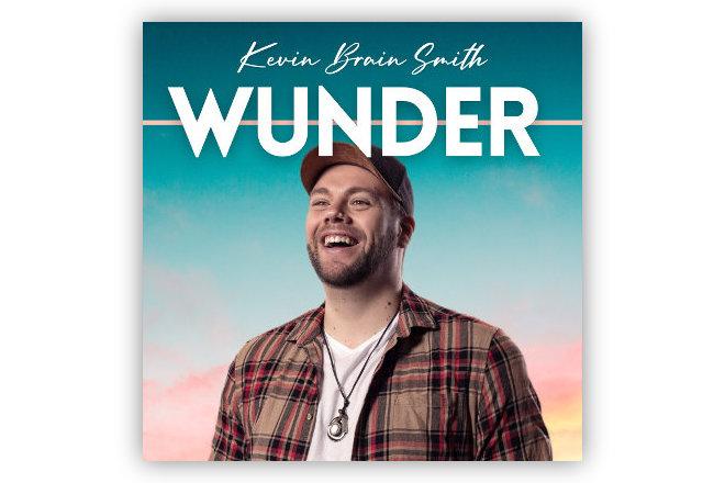 """Am 28.08.2020 veröffentlichte Kevin Brain Smith seine erste Single """"Wunder"""""""